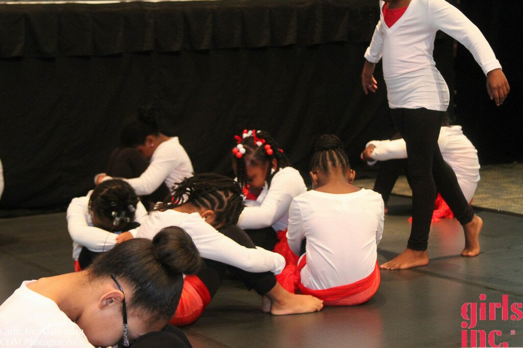 YH Thomas Girls Inc Dancers